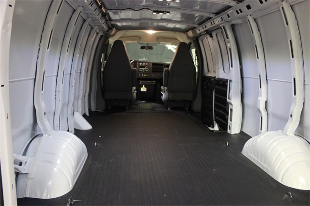 2019 Savana 2500 4x2,  Empty Cargo Van #19G1628 - photo 2