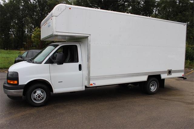 2019 Savana 3500 4x2, Bay Bridge Classic Cutaway Van #19G6282 - photo 9