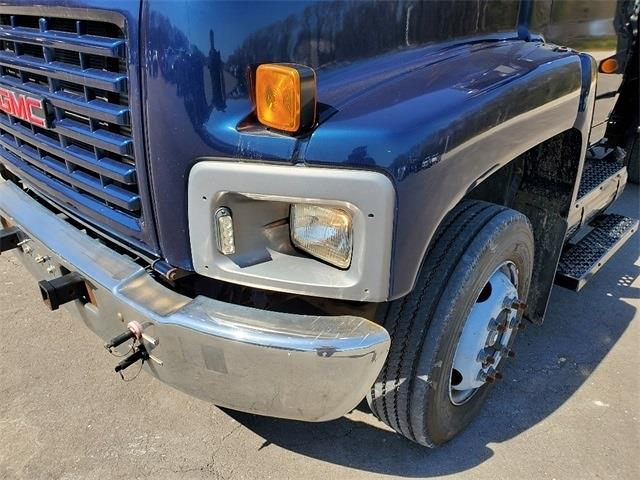 2003 GMC C6500 4x2, Other/Specialty #1G1072P - photo 1