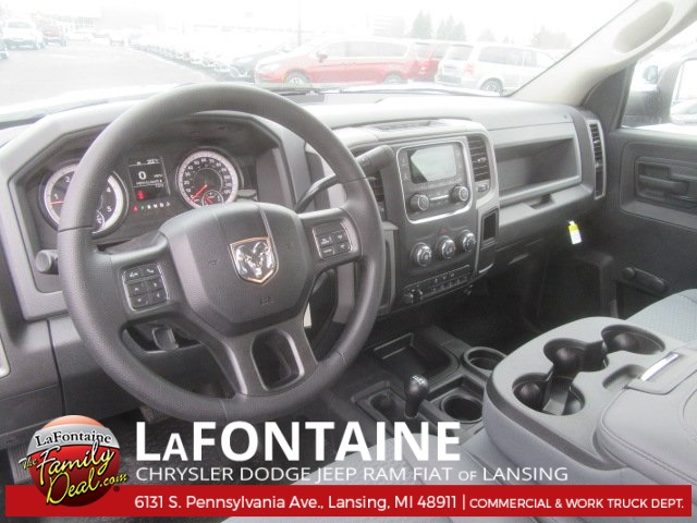 2017 Ram 5500 Regular Cab DRW 4x4, Knapheide Platform Body #17L2573 - photo 11