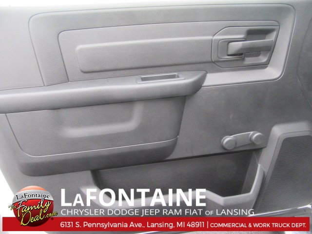 2017 Ram 5500 Regular Cab DRW 4x4, Knapheide Platform Body #17L2573 - photo 12