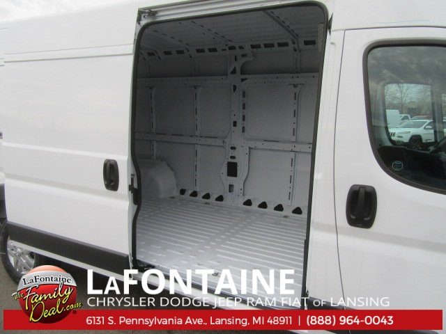 2017 ProMaster 2500 High Roof Cargo Van #17L2644 - photo 13