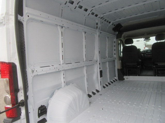 2017 ProMaster 2500 High Roof FWD,  Empty Cargo Van #17L2649 - photo 15