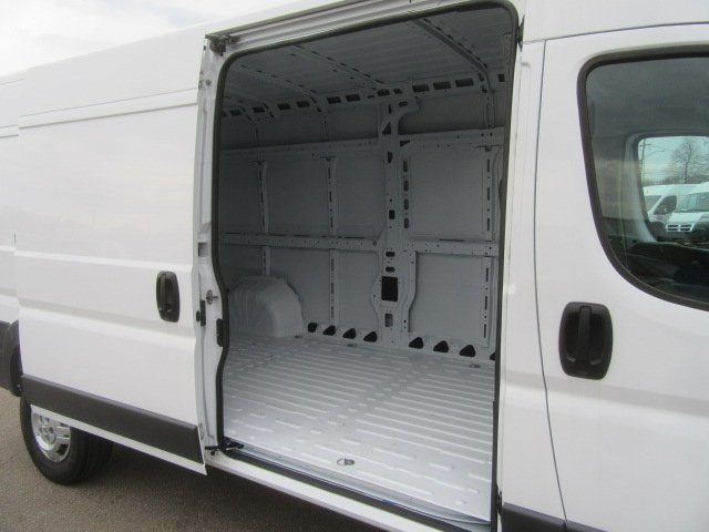 2017 ProMaster 2500 High Roof FWD,  Empty Cargo Van #17L2649 - photo 13
