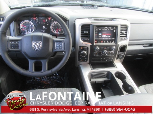 2018 Ram 1500 Crew Cab 4x4 Pickup #18L0138 - photo 13