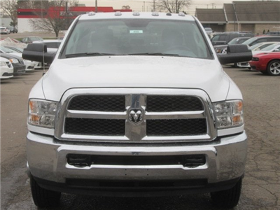 2018 Ram 3500 Crew Cab DRW 4x4, Pickup #18L450 - photo 4
