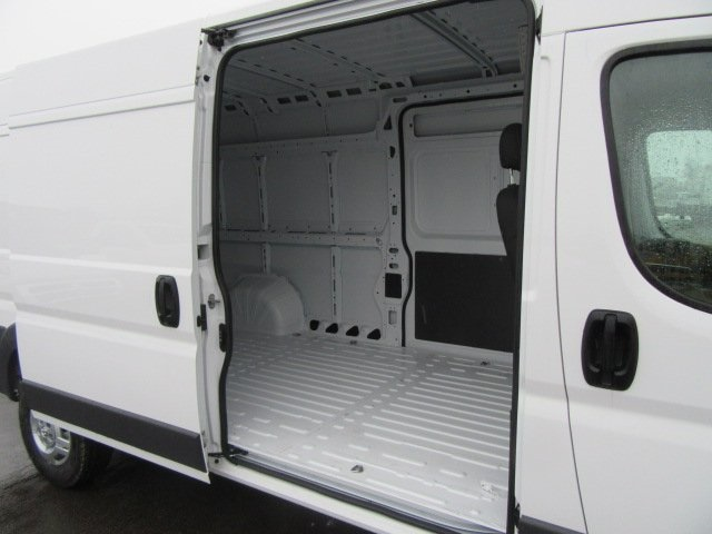 2018 ProMaster 3500 High Roof, Cargo Van #18L595 - photo 15