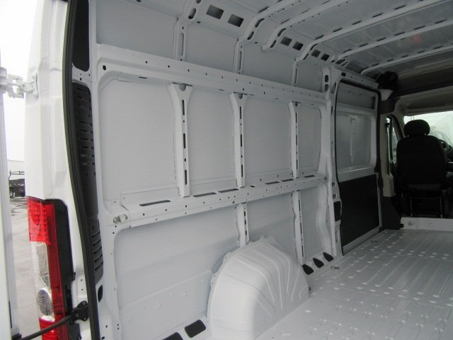 2018 ProMaster 3500 High Roof, Cargo Van #18L595 - photo 17