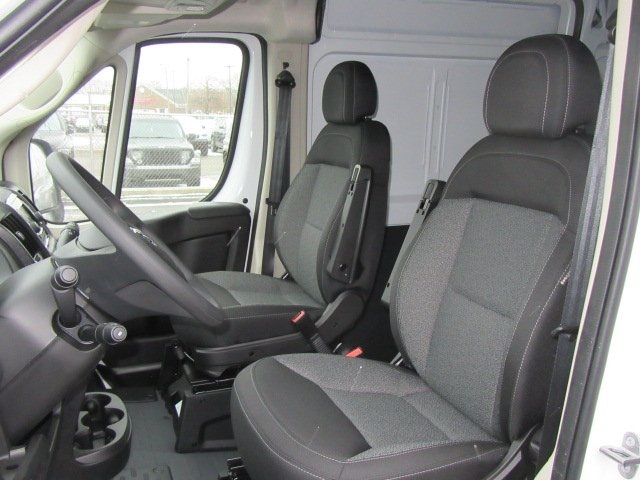 2018 ProMaster 2500 High Roof, Cargo Van #18L886 - photo 7