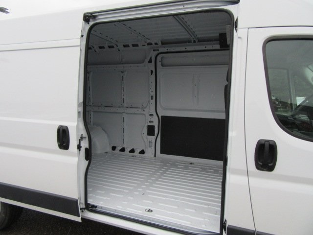 2018 ProMaster 2500 High Roof, Cargo Van #18L886 - photo 16