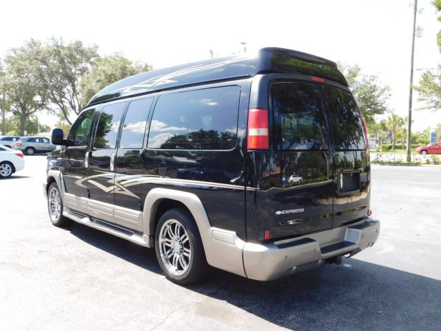 2014 Express 1500 4x2,  Passenger Wagon #E1124757 - photo 2