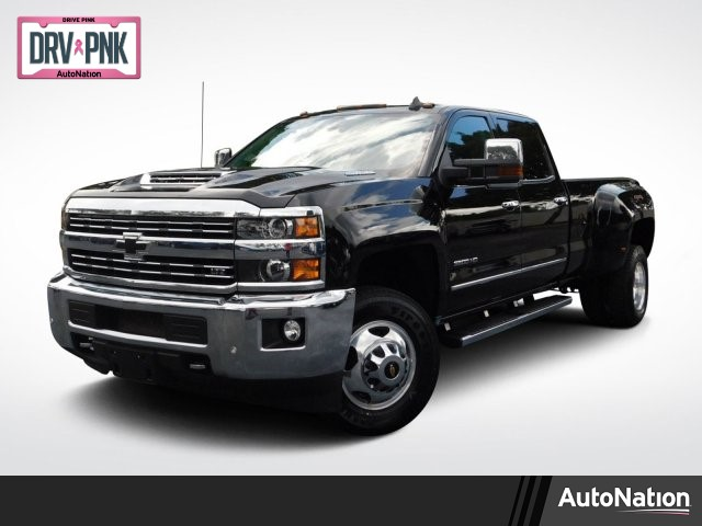 2017 Silverado 3500 Crew Cab 4x4,  Pickup #HF126496 - photo 1