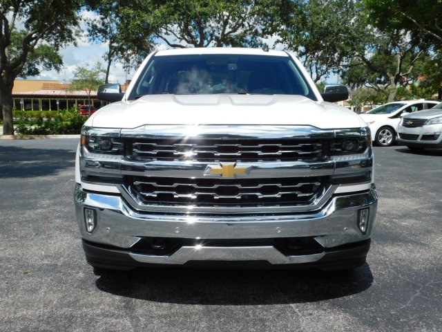 2017 Silverado 1500 Crew Cab 4x2,  Pickup #HG224869 - photo 3