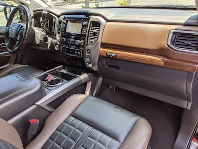 2017 Nissan Titan Crew Cab 4x2, Pickup #HN508660 - photo 23