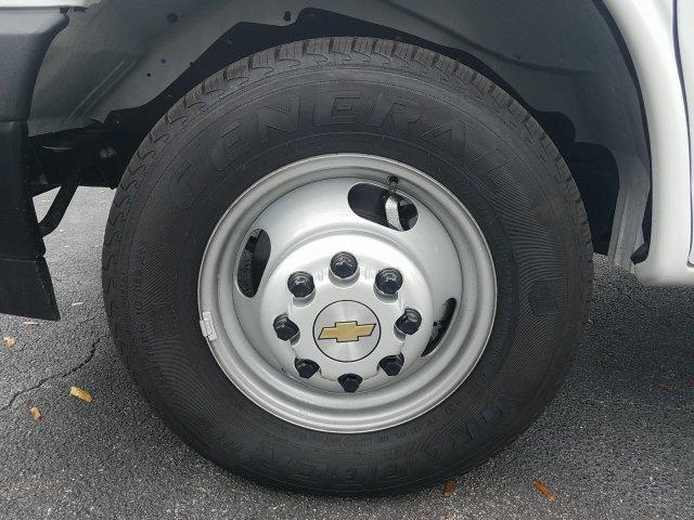 2018 Express 3500 4x2,  Supreme Iner-City Cutaway Van #J1293396 - photo 13