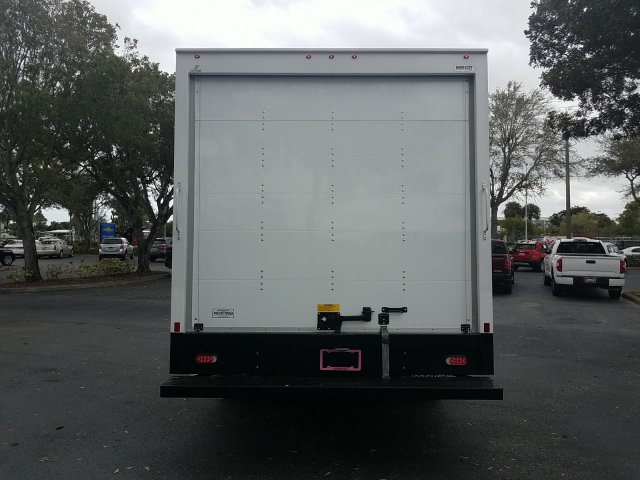 2018 Express 3500 4x2, Supreme Iner-City Cutaway Van #J1293396 - photo 4