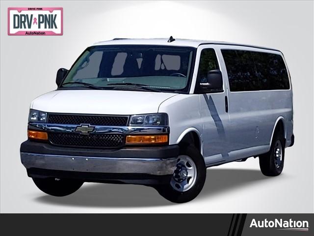 2018 Chevrolet Express 3500 4x2, Passenger Wagon #J1334663 - photo 1