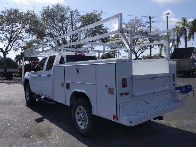 2019 Silverado 2500 Double Cab 4x2, Reading Service Body #K1226529 - photo 2