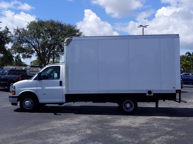 2019 Chevrolet Express 3500 4x2, Rockport Cutaway Van #K1267940 - photo 5