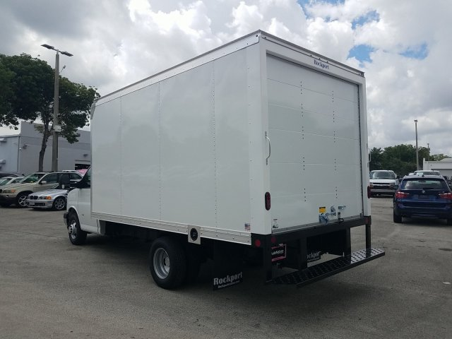 2019 Express 3500 4x2, Rockport Cutaway Van #K1267983 - photo 2