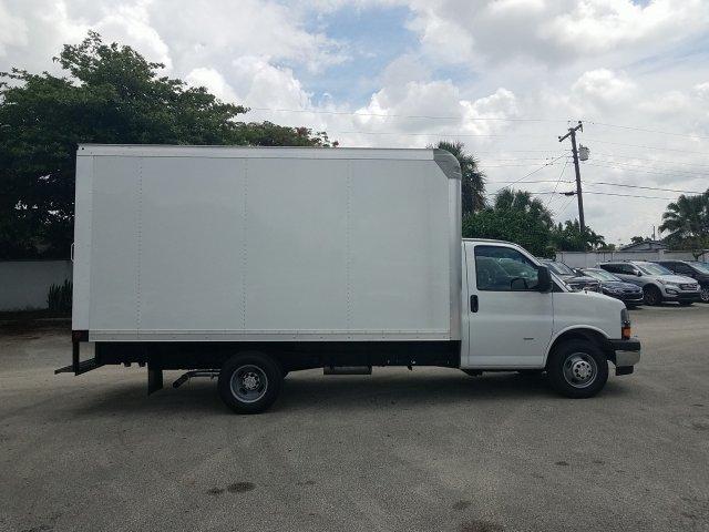 2019 Express 3500 4x2, Rockport Cutaway Van #K1267983 - photo 6