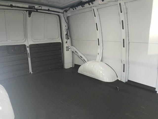 2019 Express 2500 4x2,  Empty Cargo Van #K1314562 - photo 2