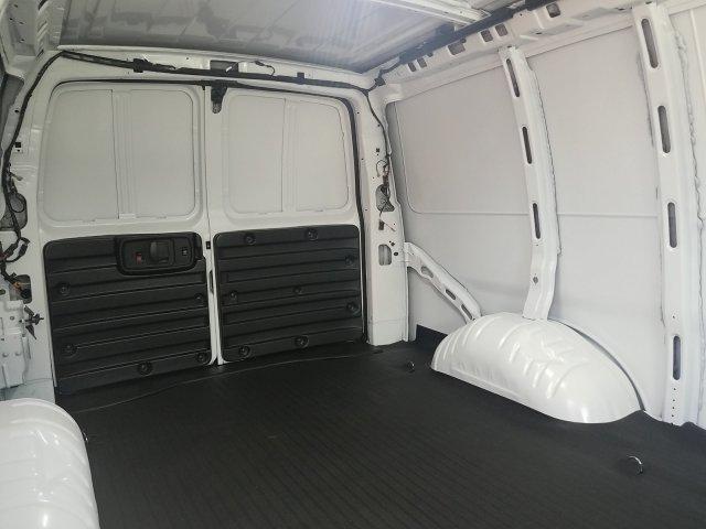 2019 Express 2500 4x2,  Empty Cargo Van #K1317408 - photo 1