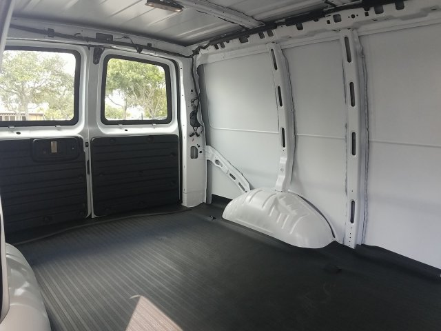2019 Express 2500 4x2,  Empty Cargo Van #K1370425 - photo 1