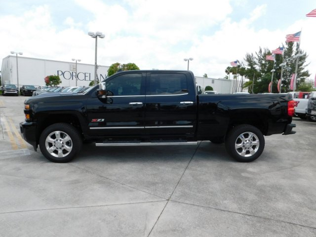 2019 Silverado 2500 Crew Cab 4x4,  Pickup #KF210036 - photo 3