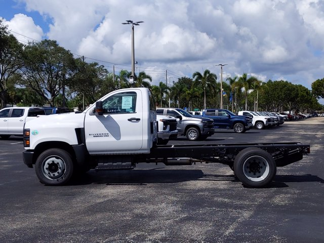 2019 Silverado Medium Duty Regular Cab DRW 4x2, Cab Chassis #KH827898 - photo 4