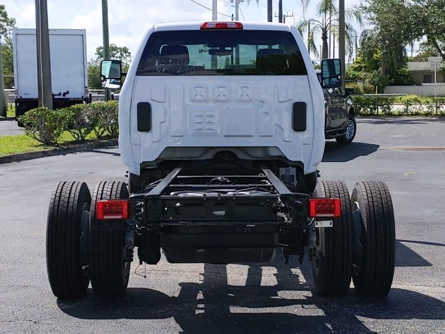 2019 Silverado Medium Duty Regular Cab DRW 4x2, Cab Chassis #KH827898 - photo 3