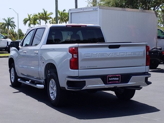 2020 Chevrolet Silverado 1500 Crew Cab 4x2, Pickup #LG344932 - photo 2
