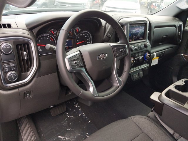 2020 Chevrolet Silverado 1500 Crew Cab 4x2, Pickup #LG393485 - photo 5