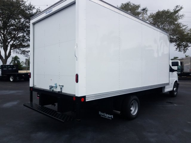 2020 Express 3500 4x2, Cutaway Van #LN001814 - photo 4