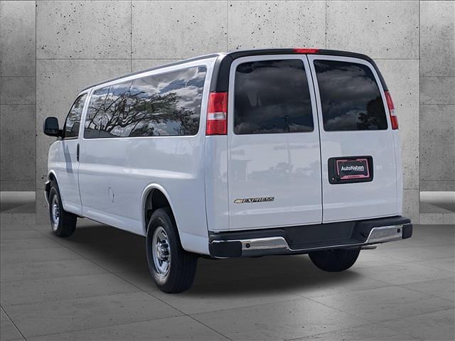 2021 Chevrolet Express 3500 4x2, Passenger Wagon #M1178503 - photo 1