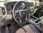 2021 Chevrolet Silverado 1500 Crew Cab 4x4, Pickup #MZ201055 - photo 3