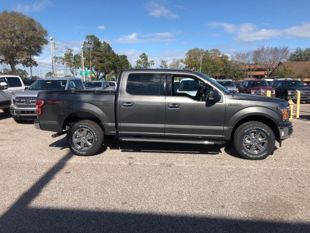2018 F-150 Crew Cab 4x4, Pickup #18F124 - photo 3