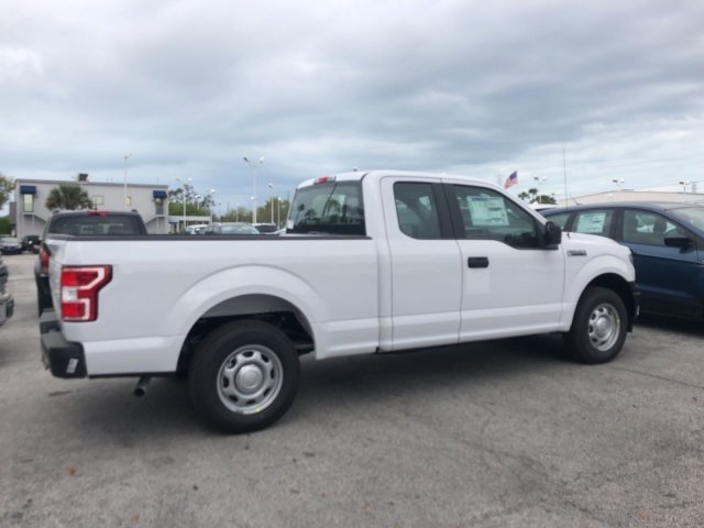 2018 F-150 Super Cab, Pickup #18F429 - photo 2
