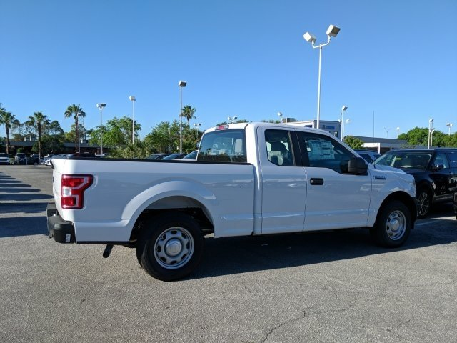 2018 F-150 Super Cab 4x2,  Pickup #18F441 - photo 2