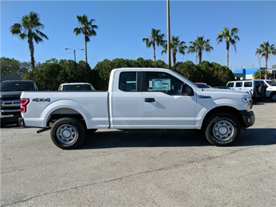 2018 F-150 Super Cab 4x4, Pickup #18F460 - photo 3