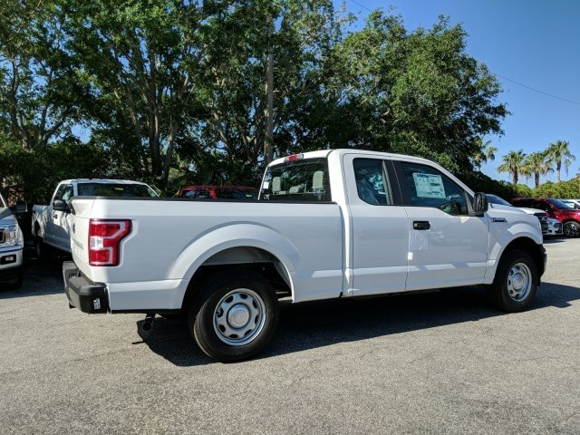 2018 F-150 Super Cab, Pickup #18F571 - photo 2