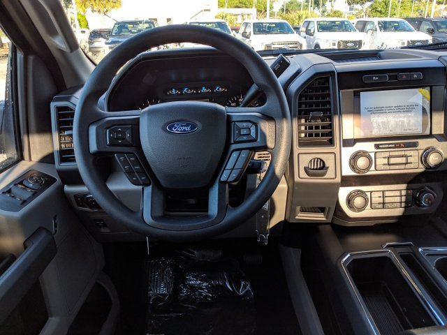 2019 F-150 SuperCrew Cab 4x2,  Pickup #19F432 - photo 6