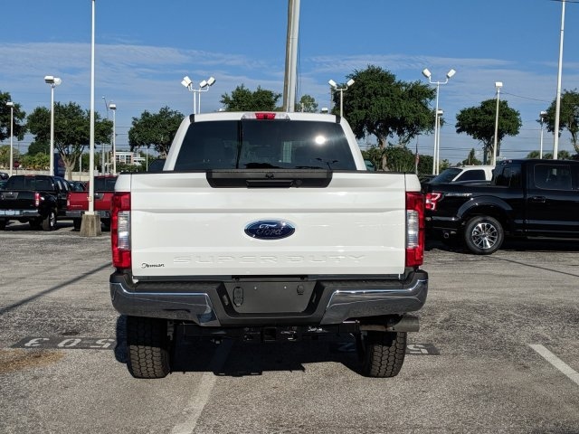 2019 F-250 Crew Cab 4x4,  Pickup #19F560 - photo 4