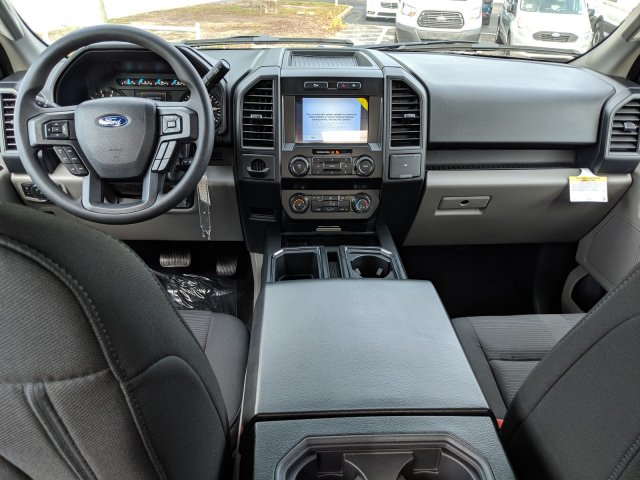 2019 F-150 SuperCrew Cab 4x2,  Pickup #19F634 - photo 5