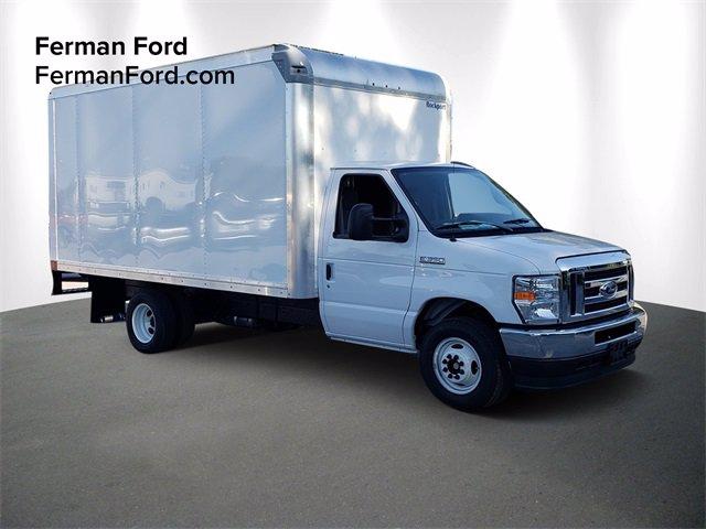 2021 Ford E-350 RWD, Cutaway Van #21F004 - photo 1