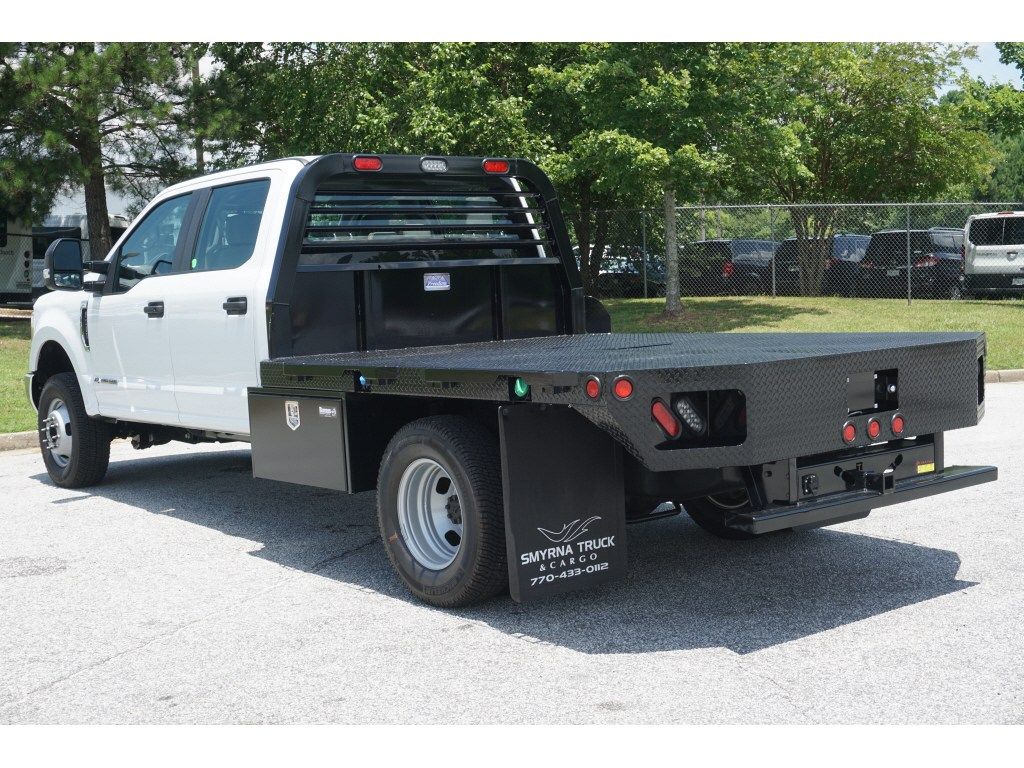 2018 F-350 Crew Cab DRW 4x4,  Freedom Platform Body #18T917 - photo 2
