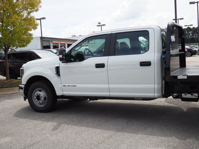 2019 F-350 Crew Cab DRW 4x2,  Knapheide Platform Body #19T048 - photo 4