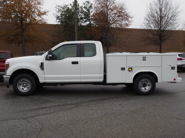 2019 F-250 Super Cab 4x2,  Reading Service Body #19T369 - photo 3