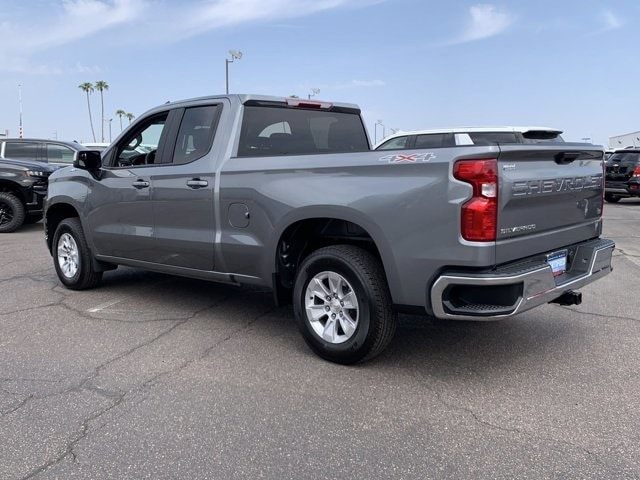 2020 Chevrolet Silverado 1500 Double Cab 4x4, Pickup #C7849 - photo 2