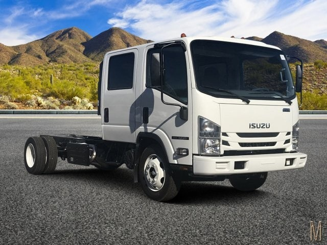 2019 NQR Crew Cab 4x2,  Cab Chassis #K7901146 - photo 1